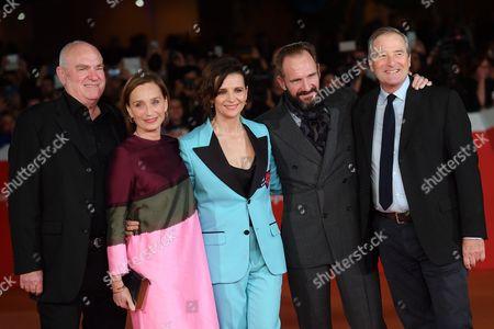 Saul Zaentz, Kristin Scott Thomas, Juliette Binoche, Ralph Fiennes and Julian Wadham