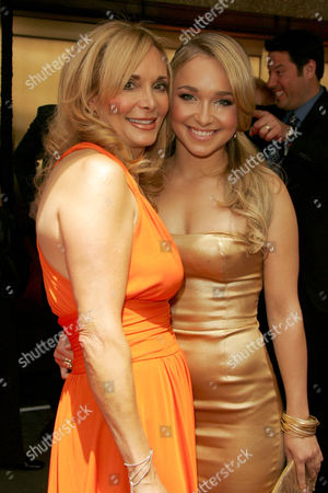 Hayden Panettiere with mother Lesley Vogel