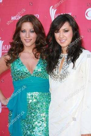 The Wreckers - Michelle Branch and Jessica Harp