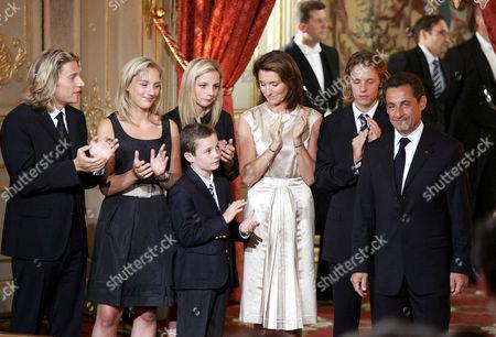 Nicolas Sarkozy inauguration ceremony, accompanied by wife Cecilia Sarkozy, son Louis Sarkozy (front), Cecilia's daughters Judith Martin and Jeanne-Marie Martin and Nicolas' sons Jean Sarkozy and Pierre Sarkozy
