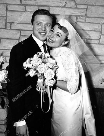 Gorme Lawrence Eydie Gorme and Steve Lawrence, both 22, on their wedding day in Las Vegas. Gorme, a popular nightclub and television singer as a solo act and as a team with husband Steve Lawrence, has died. She was 84. Her publicist, Howard Bragman, says she died at a Las Vegas hospital following an undisclosed illness