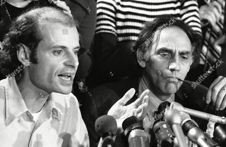 William Kunstler, Paul Potter Paul Potter, left, a college roommate of defendant Rennie Davis and witness for the defense, gestures as he addresses remarks to reporters, in Chicago. Defense lawyer William Kunstler, who represented the Chicago 7, listens to Potter?s comments