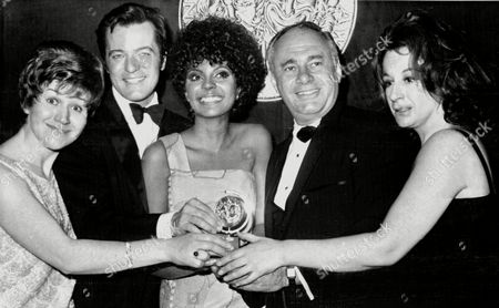 Tony award winners pose with one of the silver medallions, in New York after the awards presentation ceremony. From left: Patricia Routledge, joint best female star on Broadway; Robert Goulet, best male musical star; Leslie Uggams, joint best female star on Broadway; Martin Balsam, best dramatic star; and Zoe Caldwell, best female dramatic star