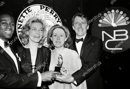"""Little Bacall Grimes Weaver Tony winners, from left, Cleavon Little, Lauren Bacall, Tammy Grimes and Fritz Weaver pose at the 24th Annual Tony Awards ceremony at the Mark Hellinger Theatre in New York City, . Little won best actor in a musical for """"Purlie""""; Bacall won best actress in a musical for """"Applause""""; Grimes won best actress for the revival """"Private Lives""""; and Weaver won best actor in a dramatic role for """"Child's Play"""