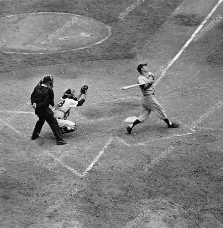 New York Giants' Dusty Rhodes strikes out in the ninth inning against the Clevelend Indians