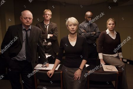 'Prime Suspect VII' - 2006 L-R - Robert Pugh, Russell Mabey, Helen Mirren, Robbie Gee and Laura Doddington.