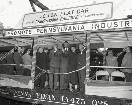 Editorial image of Jimmy Stewart and Gov. James H. Duff, Philadelphia, USA