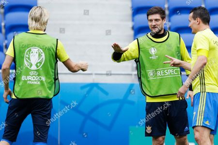 Anatoliy Tymoshchuk, Artem Fedetskiy, Yevhen Seleznyov Ukraine's Anatoliy Tymoshchuk, left, Yevhen Seleznyov, center, and Artem Fedetskiy attend training session at the Grand Stade in Decines-Charpieu, near Lyon, France, . Ukraine will face Northern Ireland in a Euro 2016 Group C soccer match in Lyon on Thursday, June 16, 2016