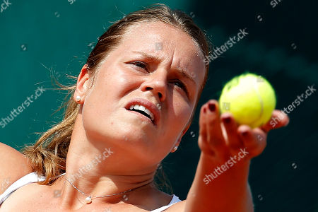 Italy's Karin Knapp serves in the third round match of the French Open tennis tournament against Kazakhstan's Yulia Putintseva at the Roland Garros stadium in Paris, France