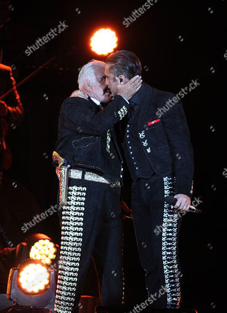 Vicente Fernandez, Alejandro Fernandez Mexican singer Vicente Fernandez sings with son Alejandro duirng a free concert at Azteca Stadium in Mexico City, . Vicente Fernandez dazzled in his farewell concert in the Azteca Stadium. The star of Mexican regional music toured more than 50 years of experience across the wide repertoire of his farewell concert