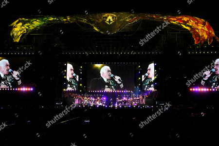 Vicente Fernandez Mexican singer Vicente Fernandez performs at a free concert at Azteca Stadium in Mexico City, . Vicente Fernandez dazzled in his farewell concert in the Azteca Stadium. The star of Mexican regional music toured more than 50 years of experience across the wide repertoire of his farewell concert