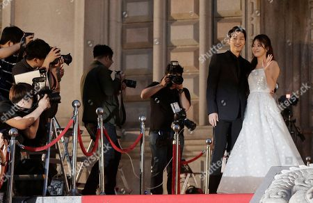Song Hye-kyo, Song Joong-ki South Korean actress Song Hye-kyo, right, and actor Song Joong-ki pose as they arrive for the Baeksang Arts Awards in Seoul, South Korea, . The Baeksang Arts Awards is a major film and arts awards ceremony in the country