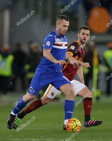 Sampdoria's Antonio Cassano, left, is chasd by Roma's Miralem Pjanic during a Serie A soccer match between Roma and Sampdoria at Rome's Olympic stadium