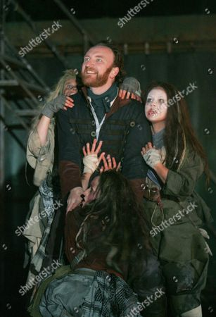 Emma Clayton, Olivia Darnley, Antony Byrne (Macbeth) and Anna Lowe