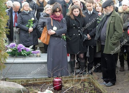 Sophie Marceau French actress Sophie Marceau, center, attends the funeral of her former long-time partner, Polish film director Andrzej Zulawski, in Gora Kalwaria, Poland