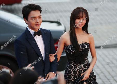 Yeo Jin-goo, Kim So-Hyun South Korea actor Yeo Jin-goo, left, and actress Kim So-Hyun walk on the red carpet of the 2015 Mnet Asian Music Awards (MAMA) in Hong Kong