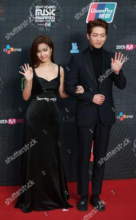 Kim So-eun, Seo Kang-joon South Korea actress Kim So-eun, left and actor Seo Kang-joon pose for the photographers on the red carpet of the 2015 Mnet Asian Music Awards (MAMA) in Hong Kong
