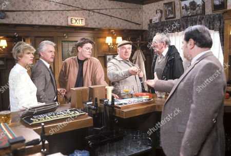 'Emmerdale'  TV - 1991 - Mr Wilks hands over the keys to the Woolpack Dolly Skilbeck [Jean Rogers], Eric Pollard [Christopher Chittel], Archie Brooks [Tony Pitts], Henry Wilks [Arthur Pentelow], Seth Armstrong [Stan Richards] and Alan Turner [Richard Thorp]