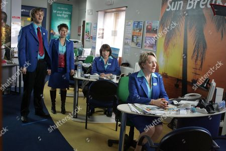 'Life Begins' - 2006 L-R - Finlay Robertson, Chloe Howman, Caroline Quentin and Michelle Holmes.