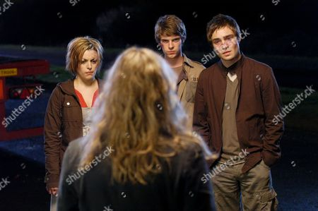 'Afterlife' - 2006 - (L-R) Nora-Jane Noone (Tessa), Harry Treadaway (Liam) and Ed Westwick (Darren) and Lesley Sharp (Alison Mundy) in the Foreground.