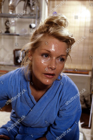 Carol Lynley in 'Tales Of The Unexpected' - 1984 Episode: 'The Gift Of Beauty'
