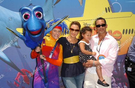 Leah Remini and Angelo Pagan with their daughter Sofia