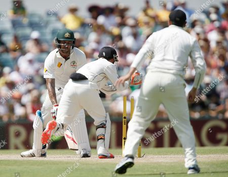 New Zealand's BJ Watling Australia's Mitchell Johnson is stumped by New Zealand's BJ Watling during their cricket test match in Perth, Australia, Saturday, Nov.14, 2015