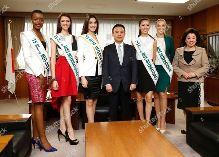Yosuke Takagi, Eunice Onyango, Jennifer Valle, Edymar Martinez, Pham Hong Thuy Van, Lindsay Becker,Akimi Shimomura 2015 Miss International runners-up pose with Yosuke Takagi, Japan's state minister of Economy, Trade and Industry, for a photo as they pay a courtesy call on him in Tokyo, . They are, from left, Miss Kenya Eunice Onyango, Miss Honduras Jennifer Valle, Miss International Edymar Martinez of Venezuela, Takagi, Miss Vietnam Pham Hong Thuy Van, Miss USA Lindsay Becker and Akimi Shimomura, chairperson of the International Cultural Association
