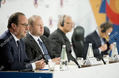 From left, French President Francois Hollande, Malta Prime Minister Joseph Muscat, Secretary General of the Commonwealth Kamalesh Sharma and Secretary General of the United Nations Ban Ki-moon attend a press conference after the Climate Change special session held during CHOGM (Commonwealth heads of Government meeting), at the Raddison Golden Sands Hotel, Ghajn Tuffieha, Malta