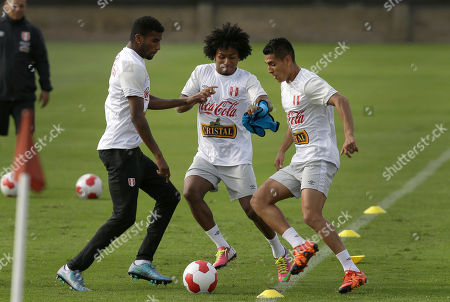 Paolo Hurtado, Yordy Reyna, Carlos Ascues Peru's Paolo Hurtado, right, Yordy Reyna, center, and Carlos Ascues, take part in a training session in Lima, Peru, . Peru will face Paraguay in a World Cup qualifying soccer match in Lima