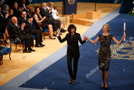 Emmanuelle Charpentier, Jennifer Doudna Emmanuelle Charpentier of France, left and Jennifer Doudna of the U.S. are applauded by other prize winners after receiving the Princess of Asturias Technical and Scientific Research award from Spain's King Felipe VI at a ceremony in Oviedo, northern Spain