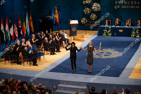 Emmanuelle Charpentier, Jennifer Doudna Emmanuelle Charpentier of France, left and Jennifer Doudna of the U.S. are applauded after receiving the Princess of Asturias Technical and Scientific Research award from Spain's King Felipe VI at a ceremony in Oviedo, northern Spain