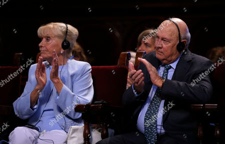 Stock Image of Frederik Willem de Klerk, Betty Williams Former South African president and Nobel Peace prize laureate Frederik Willem de Klerk, right, and Irish cofounder of Community of Peace People and 1976 Nobel Peace laureate Betty Williams applaud during the opening ceremony of the XV World Summit of Nobel Peace Laureates at the University in Barcelona, Spain