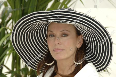 Lesley Anne Down at 'The Bold and The Beautiful' photocall