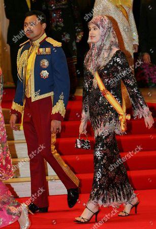 Crown Prince Haji Al-Muhtadee Billah and Paduka Seri Pengiran Anak Isteri Pengiran at the Gala Dinner to celebrate the wedding of Princess Majeedah and Pengiran Khairul Khalil