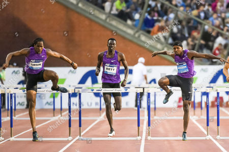 Jeffrey Gibson, Nicholas Bett, Bershawn Jackson Jeffrey Gibson from the Bahamas, left, Nicholas Bett from Kenya, center, and Bershawn Jackson from the U.S. compete in the men's 400m hurdles at the Diamond League Memorial Van Damme athletics event, at Brussels' King Baudouin stadium