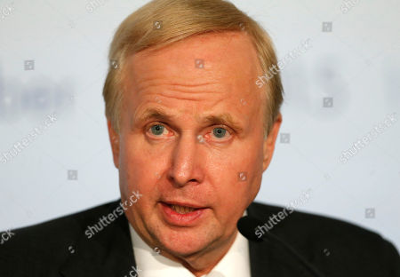 "BP Group Chief Executive Bob Dudley attends a meeting, in Paris, France. The chief executives of 10 of the world's biggest oil and gas companies have pledged support for an ""effective"" deal to fight global warming at a Paris conference next month"