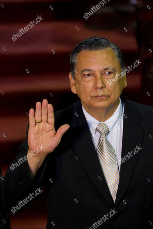 Juan Alberto Fuentes Soria Juan Alfonso Fuentes Soria holds up his right hand as he is sworn-in as Guatemala's new Vice President, in Guatemala City, . Fuentes replaces Alejandro Maldonado, who was briefly vice president before he assumed the presidency following the resignation of Otto Perez Molina two weeks ago