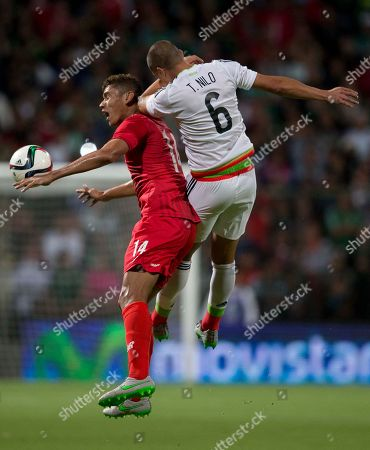 Valentin Pimentel, Jorge Nilo Panama's Valentin Pimentel fights for the ball with Mexico's Jorge Nilo during a friendly soccer match in Toluca, Mexico