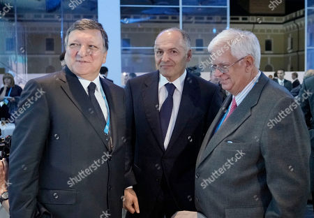 Jose Manuel Barroso, Viktor Pinchuk, Mario David Former European Commission President Jose Manuel Barroso, left, Ukrainian tycoon and philanthropist Viktor Pinchuk, center, and a Vice President of the European People's Party and a Member of the European Parliament from Portugal Mario David, attend a meeting organized by the Yalta European Strategy (YES) in partnership with the Victor Pinchuk Foundation at the Mystetsky Arsenal Art Center in Kiev, Ukraine, . More than 200 leaders from politics, business and society representing more than 20 countries will discuss major global challenges and their impact on Europe, Ukraine and the world