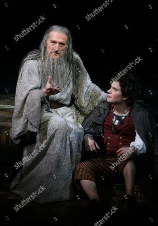 Malcolm Storry (Gandalf); James Loye (Frodo)