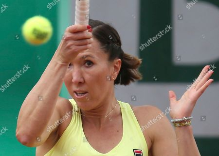 Serbia's Jelena Jankovic returns the ball to Bulgaria's Sesil Karatantcheva during their first round match of the French Open tennis tournament at the Roland Garros stadium, in Paris