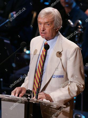 Richie Benaud Former Australian cricket captain and commentator Richie Benaud speaks at a state memorial service for Kerry Packer at Sydney Opera House in Sydney. Former Australia cricket captain and television commentator Benaud has died at the age of 84, his employer Channel Nine network said