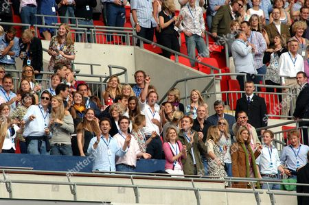 Lady Jane Fellowes, Kate Middleton (3rd row centre), Pippa Middleton, Zara Phillips, Mike Tindall, Autumn Kelly and Peter Phillips