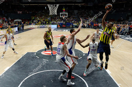 Fenerbahce's Andrew Goudelock, right, shoots during the Euroleague Final Four third place basketball match between CSKA Moscow and Fenerbahce in Madrid, Spain, . Goudelock was the top scorer with 24 points but CSKA defeated Fenerbahce 86-80