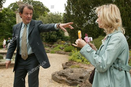 Kevin Whately and Lizzy McInnerny in 'Lewis' - 2006