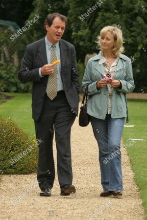 Stock Image of Kevin Whately and Lizzy McInnerny in 'Lewis' - 2006