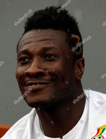 Ghana's Asamoah Gyan attends a training session in Bata, Equatorial Guinea, . Ghana will play their African Cup of Nations final soccer match against Ivory Coast on Sunday, Feb. 8