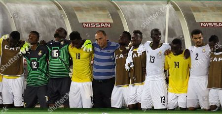 Ghana's head coach Avram Grant, center, with his players during their penalty shoot out for African Cup of Nations final soccer match against Ivory Coast in Bata, Equatorial Guinea
