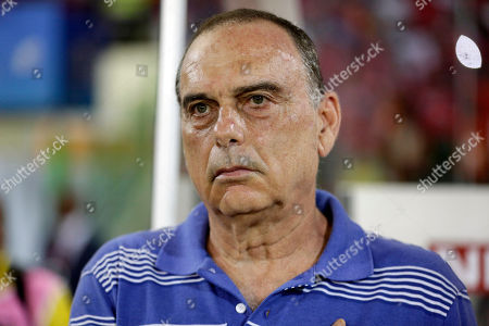 Ghana's head coach Avram Grant is pictured before their African Cup of Nations semifinals soccer match against Equatorial Guinea in Malabo, Equatorial Guinea
